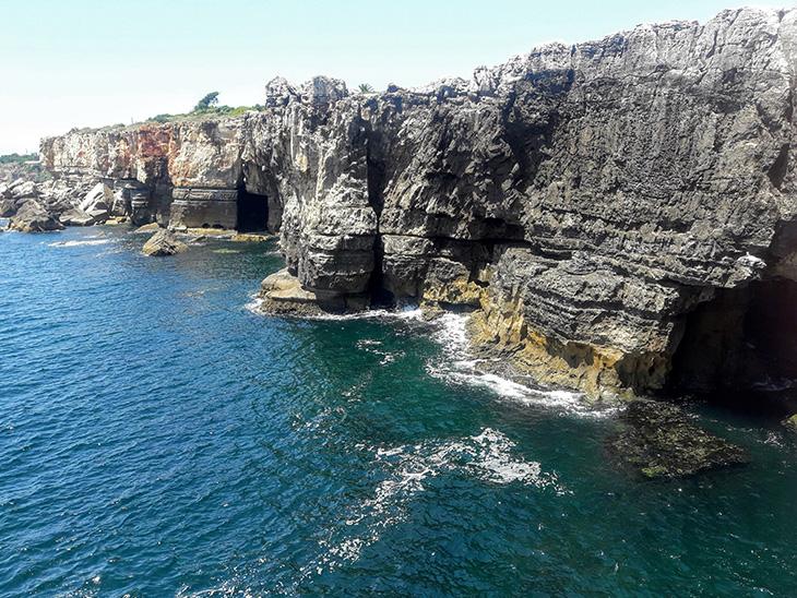Океан і скелі