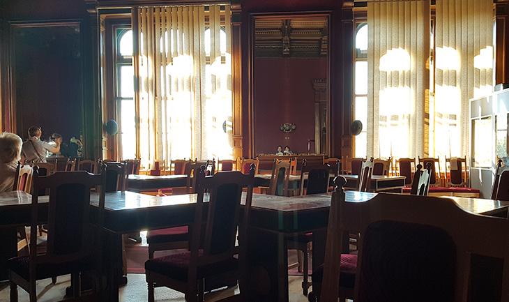 Оксамитова зала