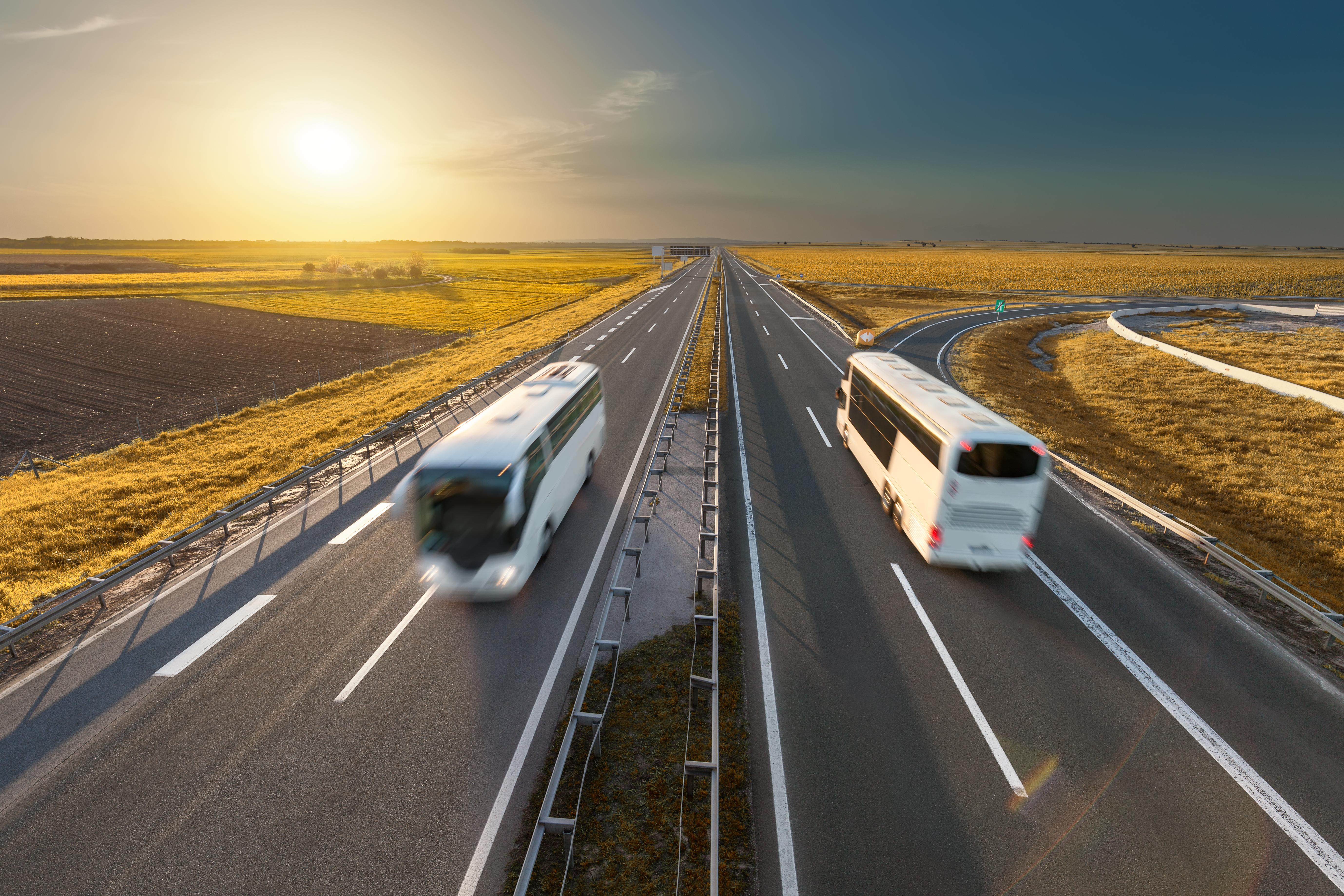 Путешествуйте автобусом дешевле