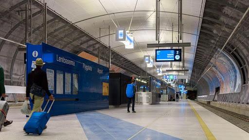 Helsinki airport transfer by train