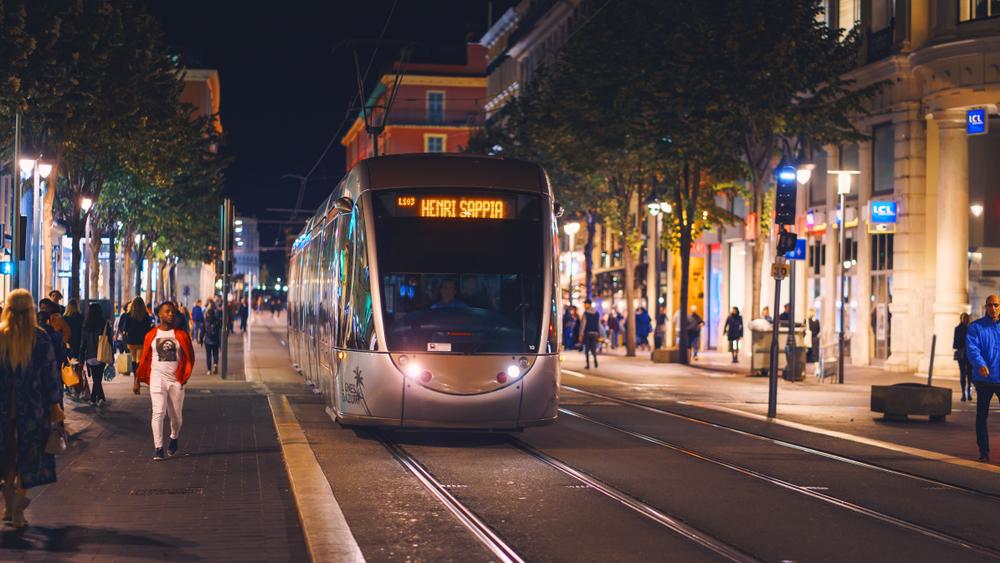 nice airport transfer tram