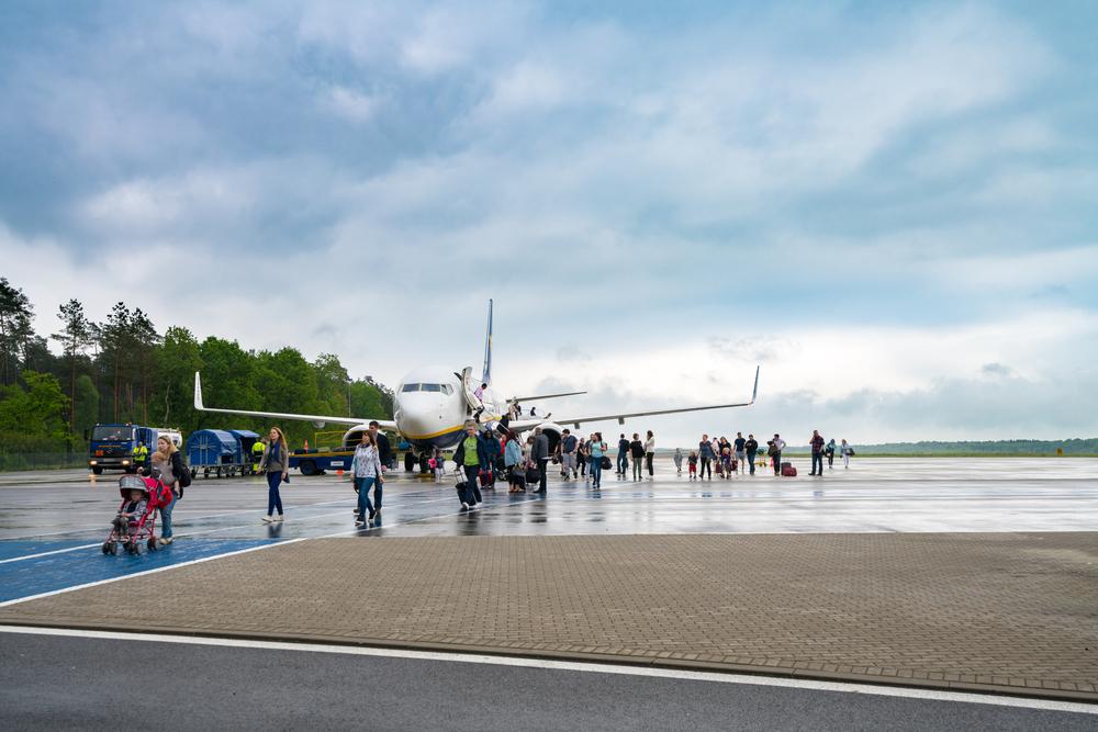 szczecin goleniow airport bus