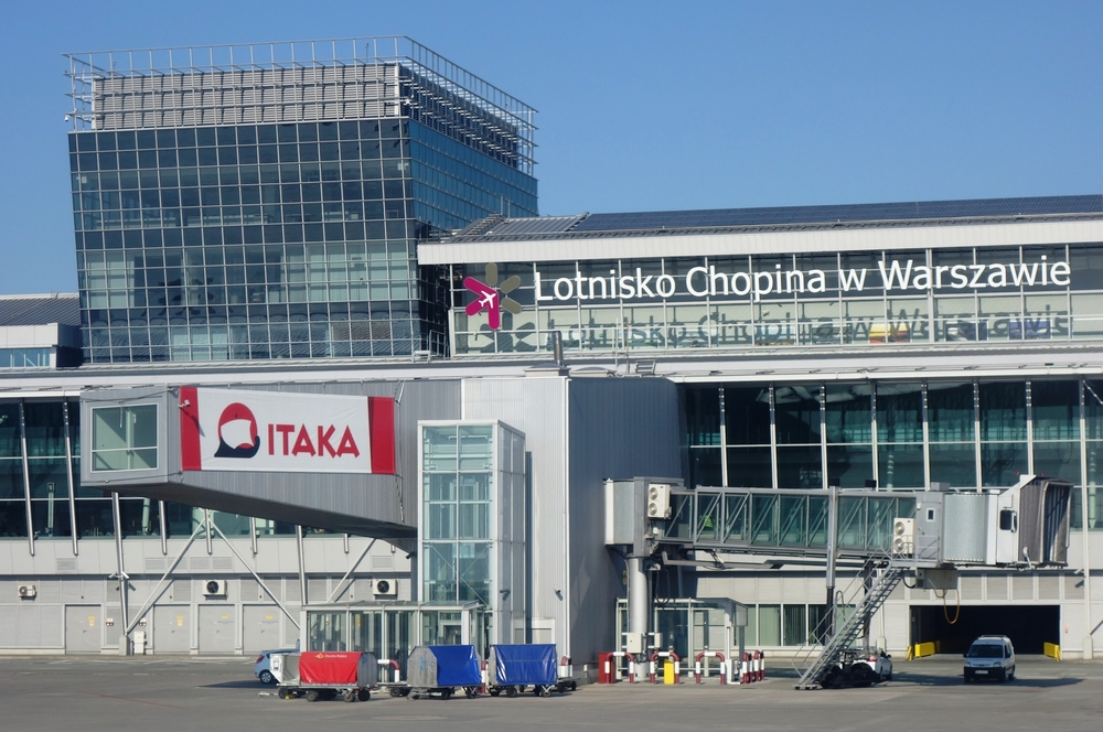 Warsaw Chopin Airport - entrance