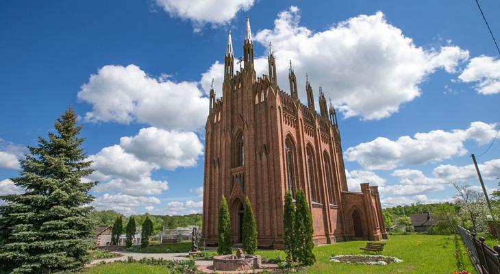 Неоготический православный храм