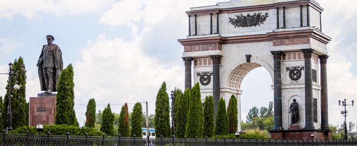 Памятник Жукову в Курске